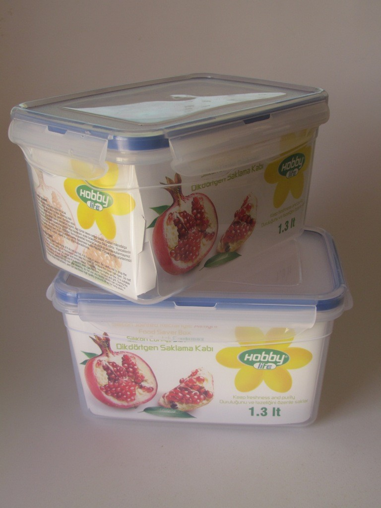 Plastic containers 1.3L